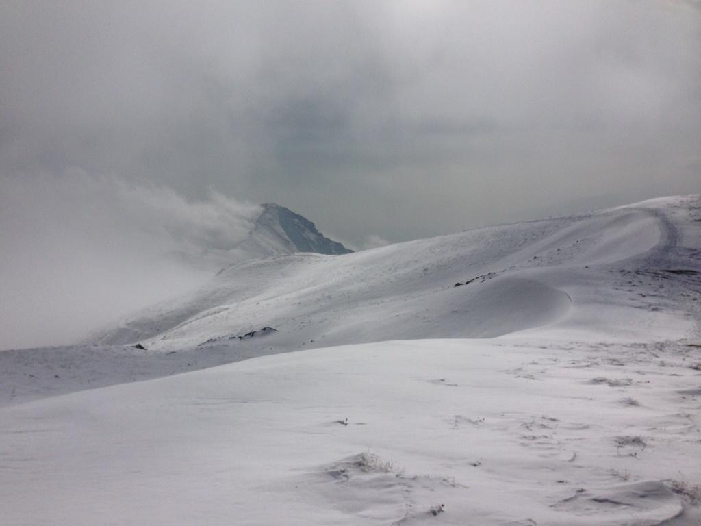مسیر صعود از فراز قله آتشکوه